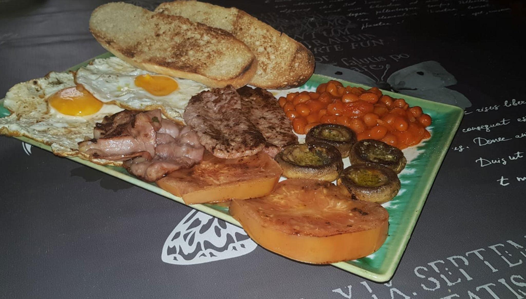 Desayuno inglés en El Raconet