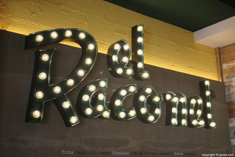 Logo iluminado El Raconet