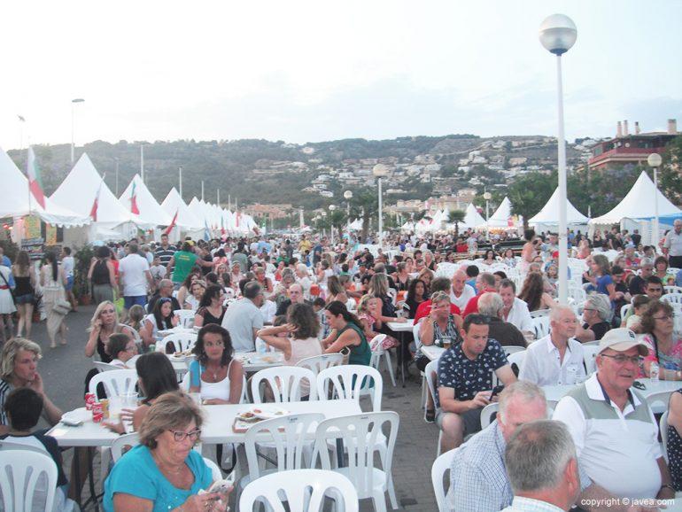Mucho público en la inauguración del Festival Internacional de Xàbia