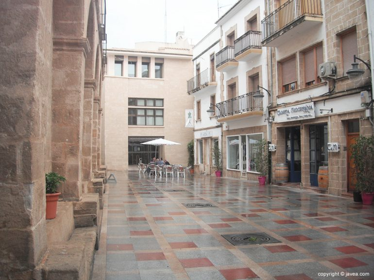 Plaza de Baix totalmente desierta