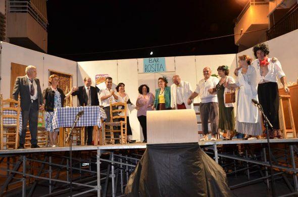 Grupo teatral en Festes del Loreto