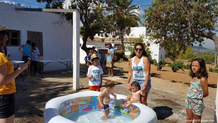 Jocs d'aigua per als més petits en Festes del Portitxol