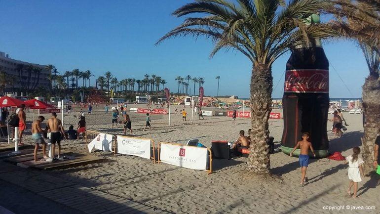 Campos de tenis playa en el Arenal