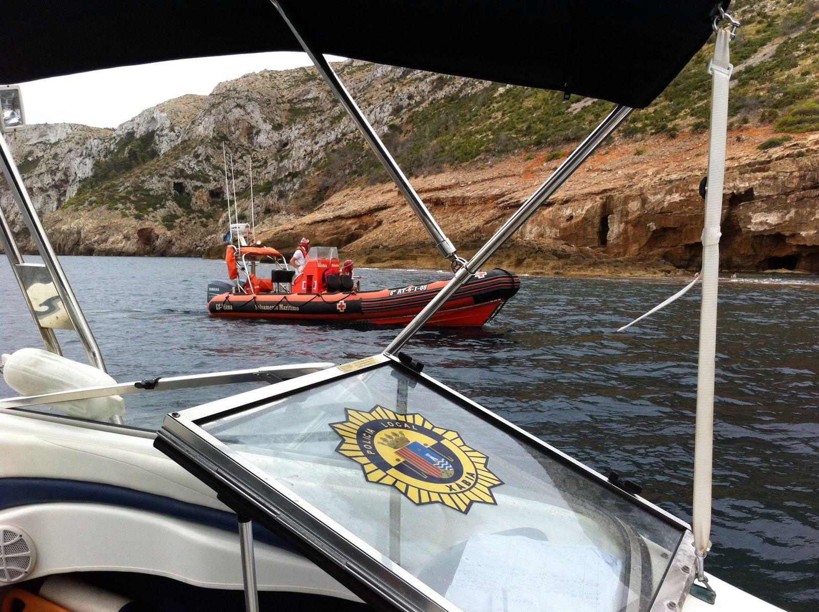 Embarcaciones de Bomberos y Policía Local de Xàbia