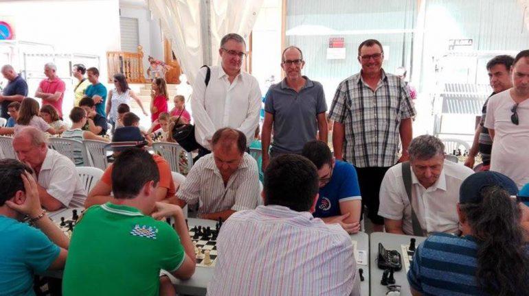Luis Barona con Vicent Colomer y José L Bisquert siguiendo el torneo