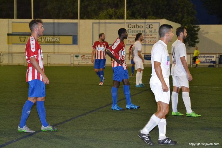 D Line Drawing Game : Cd jávea and benidorm cf goalless draw in an entertaining match