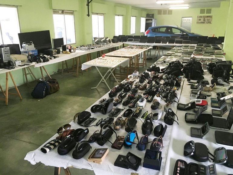 Objetos recuperados por la Guardia Civil  expuestos en Xàbia