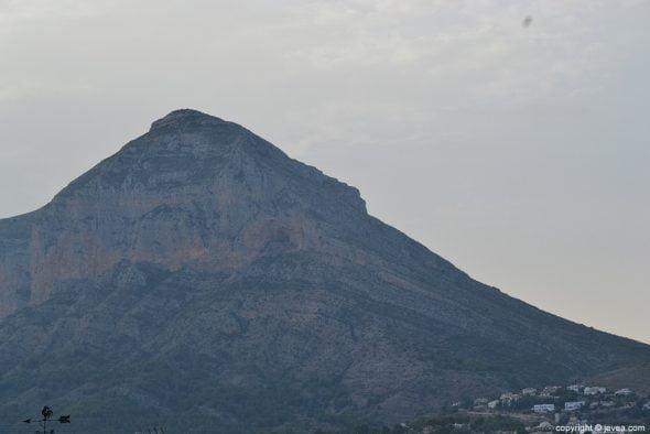 El Montgó tiene 753 metros de altitud
