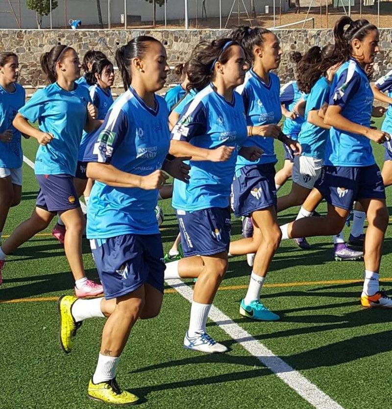 Sandra Castelló en el entrenamiento del Sporting de Huelva