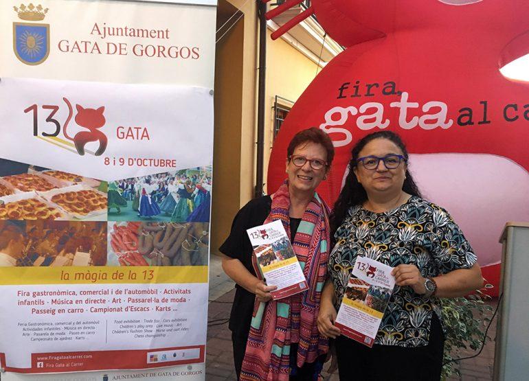 La concejala, Angels Soler y la presidenta del Comerç, Paqui Signes