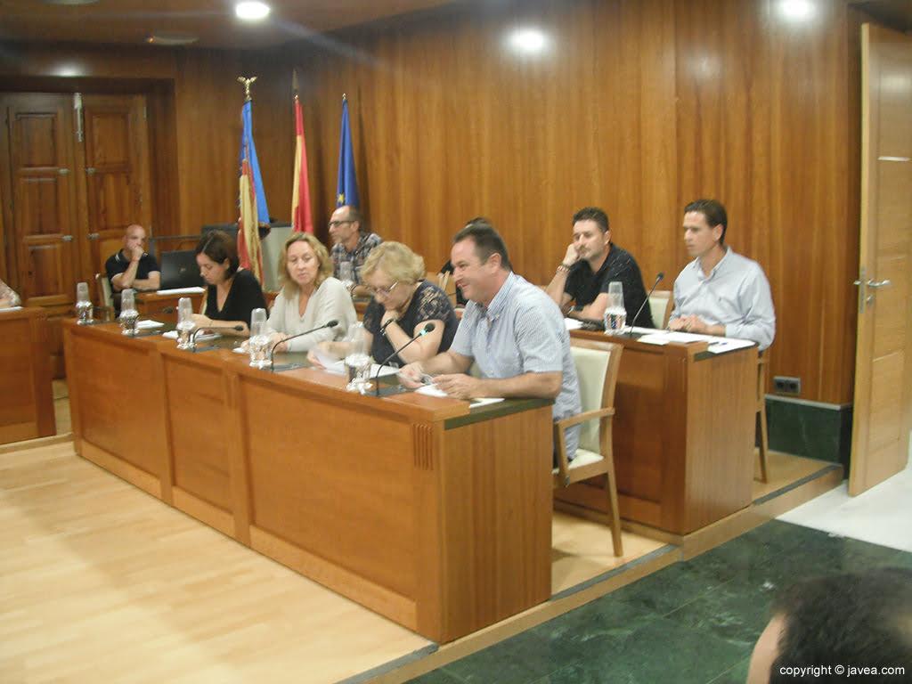 Los grupos de la oposición en sesión plenaria