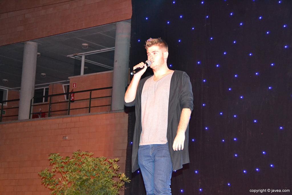 El cantante Javier Gandía