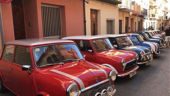 50 vehículos Mini Cooper se concentraron en Benitatxell