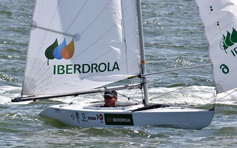 Rafael Andarias en su barco