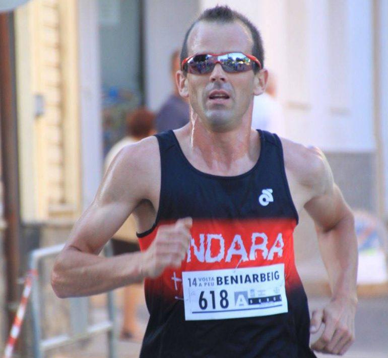 Sergio Torres vencedor de la Volta a peu a Beniarbeig