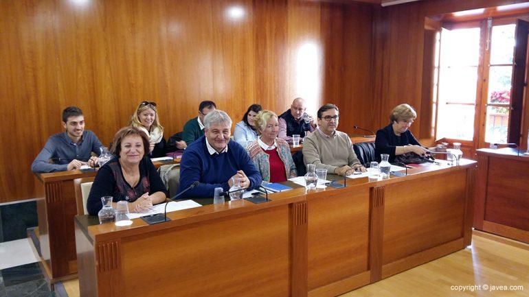 Concejales en el último pleno del 2016