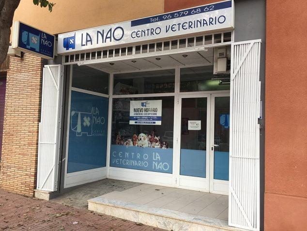 Imagen: Entrada Centro Veterinario La Nao
