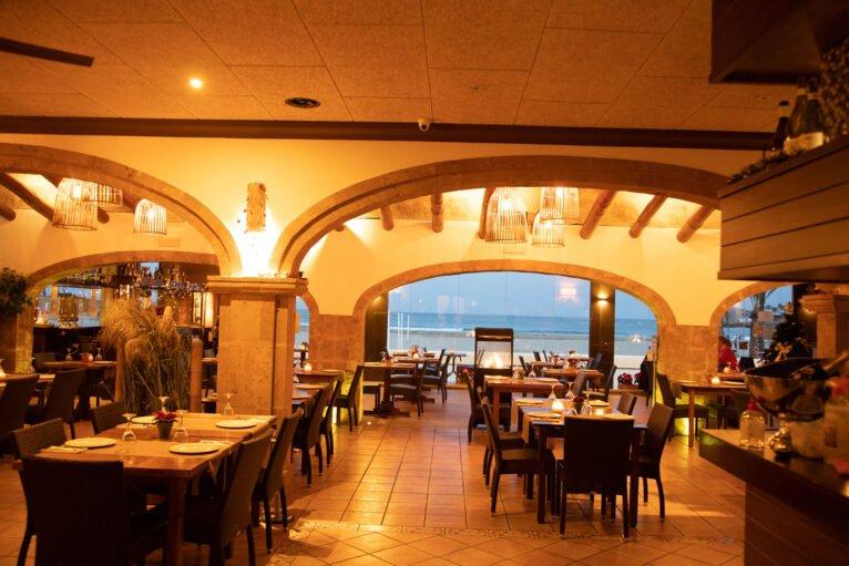 Comedor espacioso en Restaurante La Fontana
