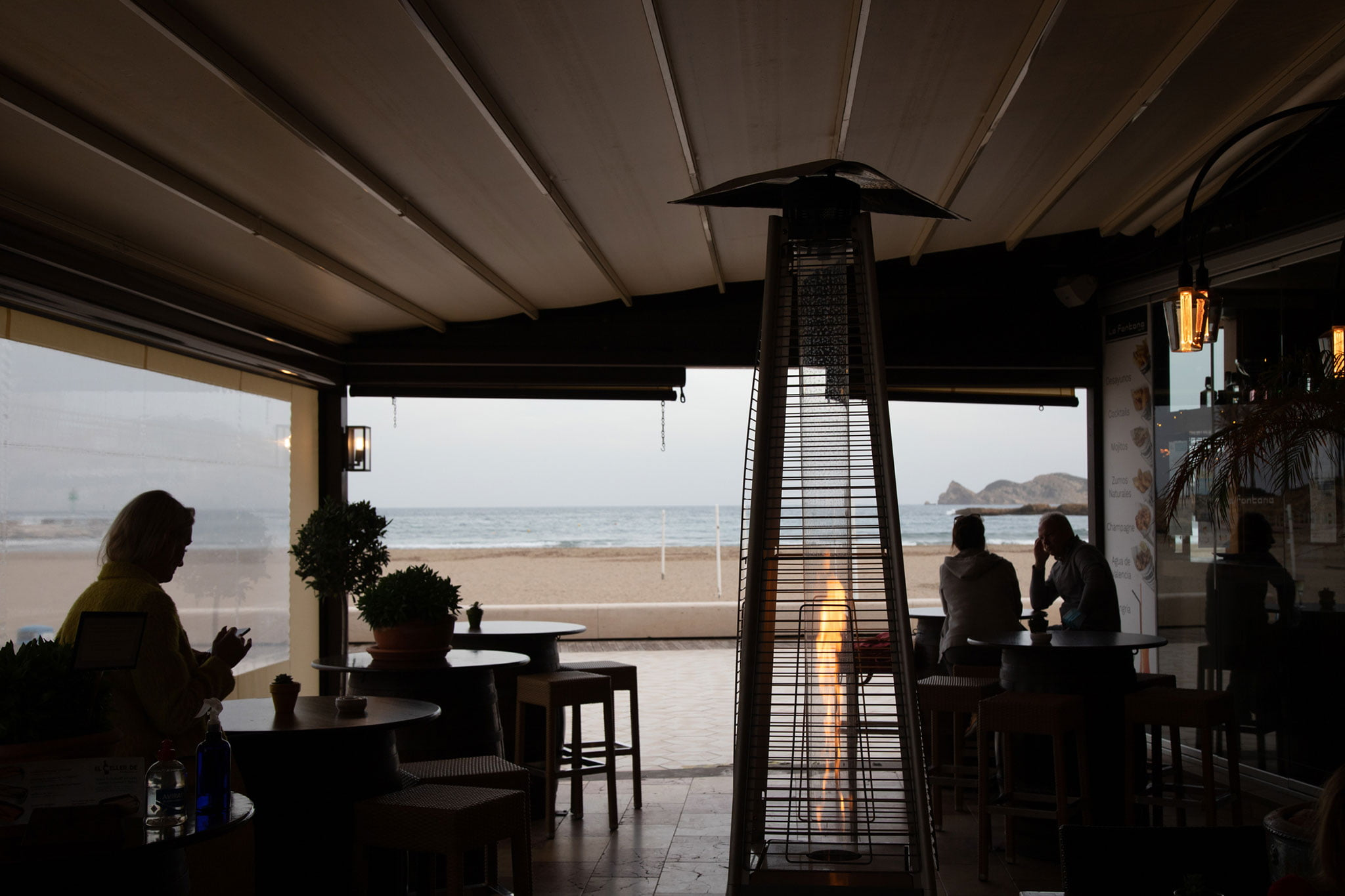Estufas para aclimatar al lado del mar – Restaurante La Fontana