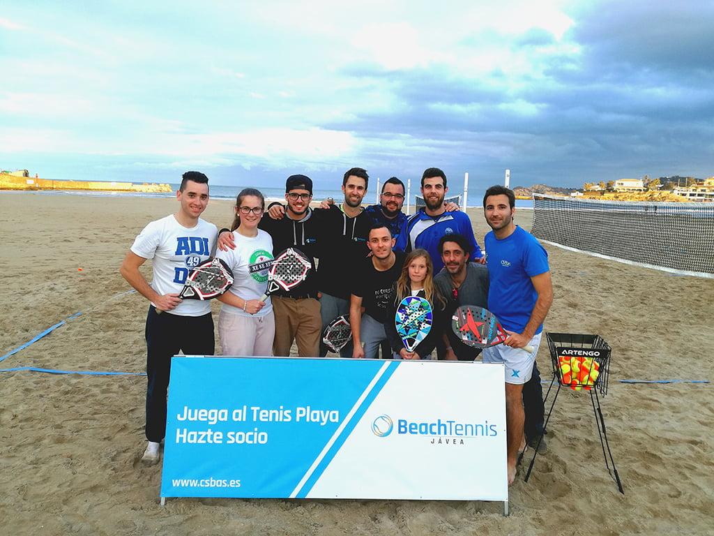Jugadores de tenis playa en Xàbia
