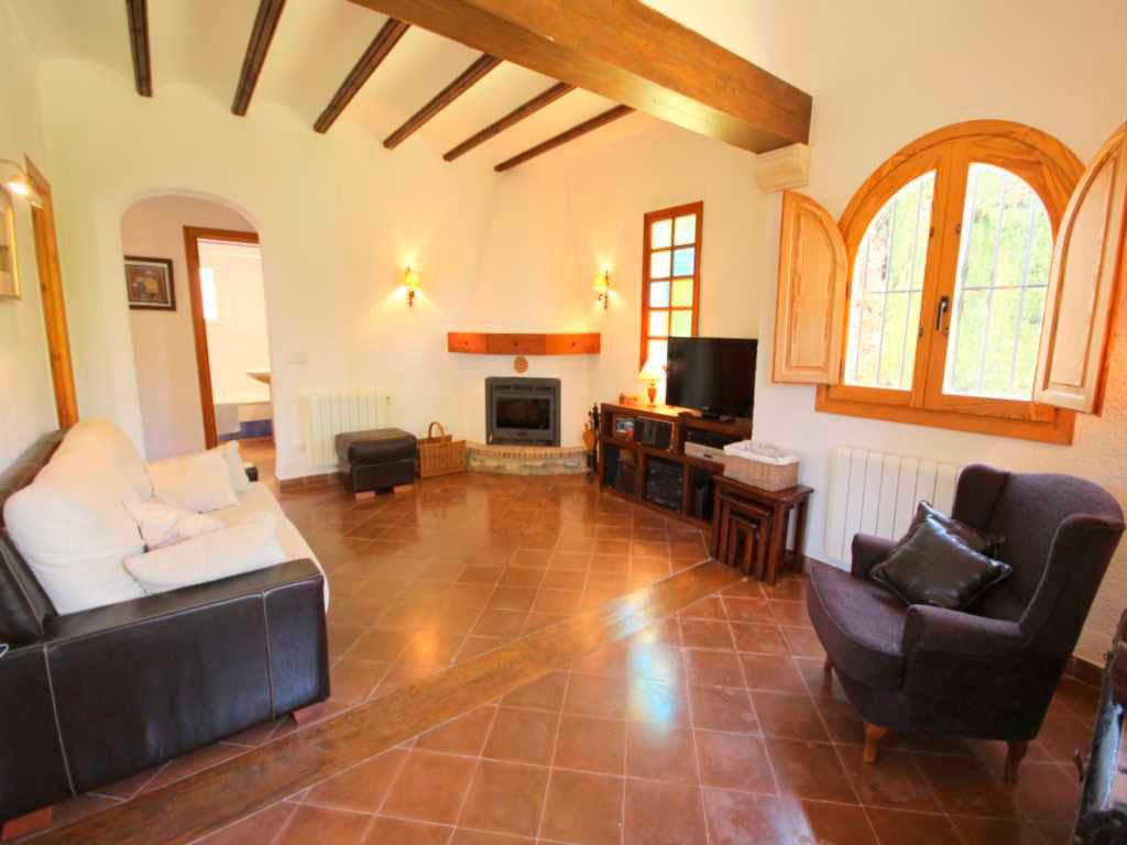 Sala de estar con chimenea atina inmobiliaria j - De salas inmobiliaria ...