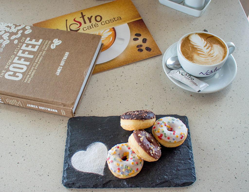 Café y donut Nostro Café Costa