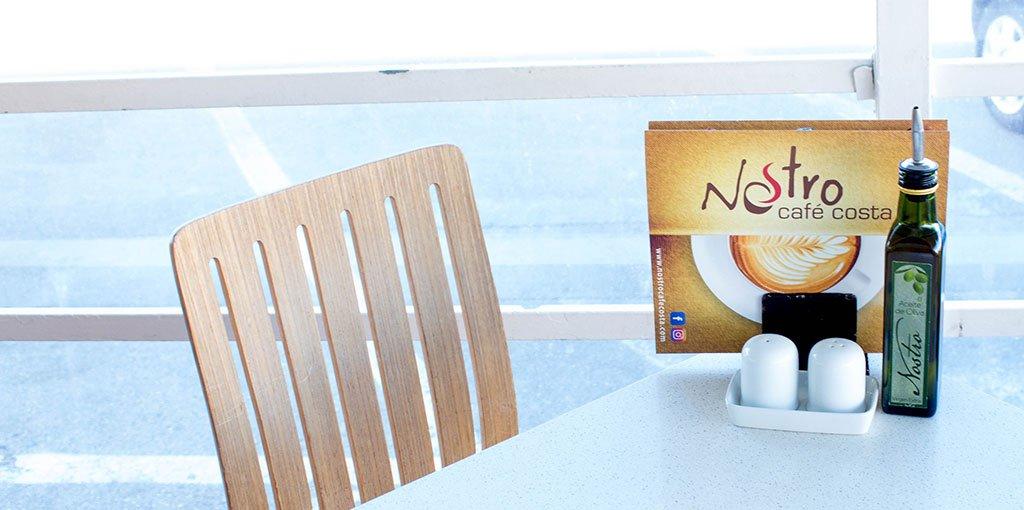Nostro Café Costa mesa terraza