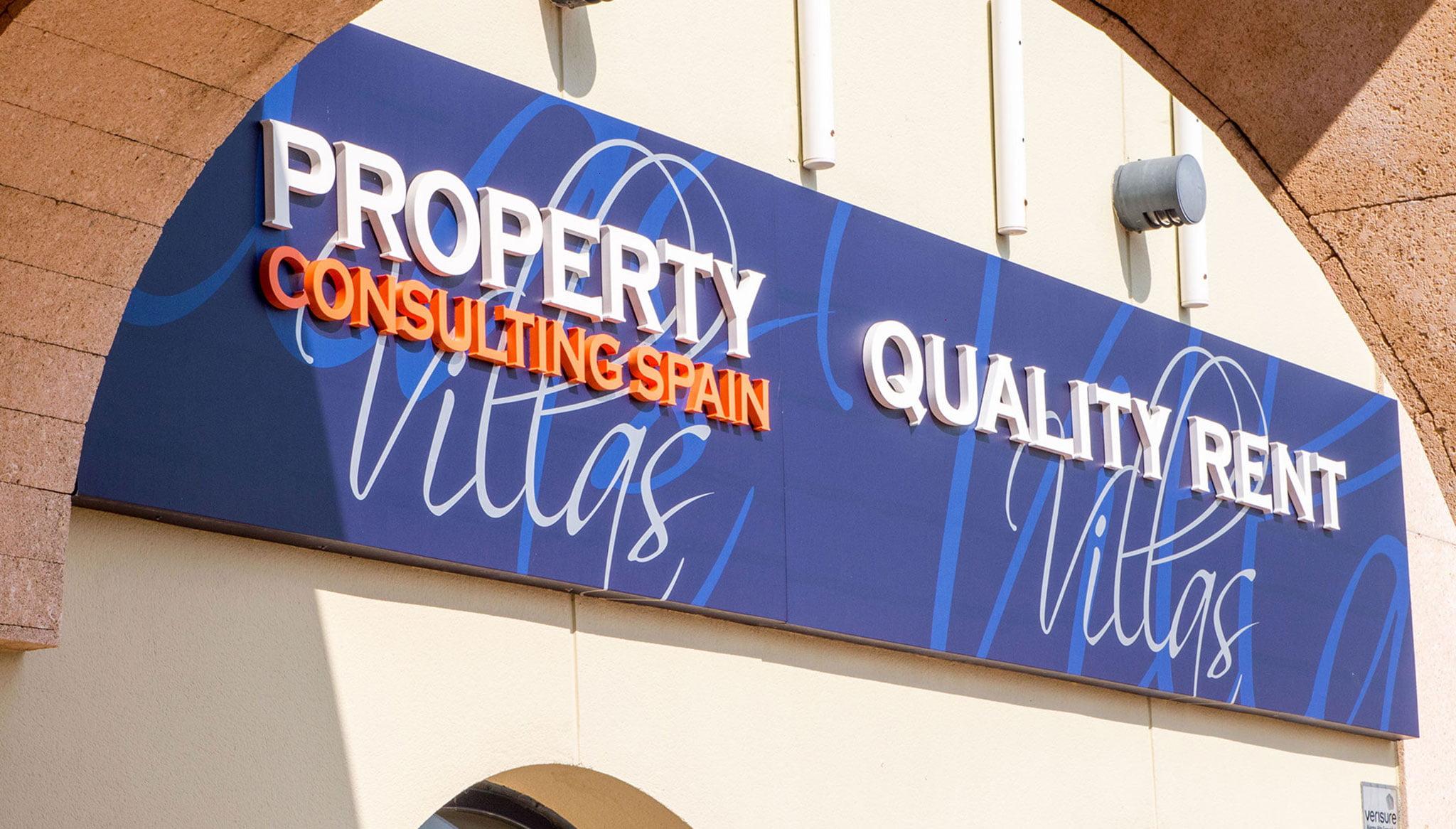 Poster met gevellogo - Kwaliteit Rent a Villa