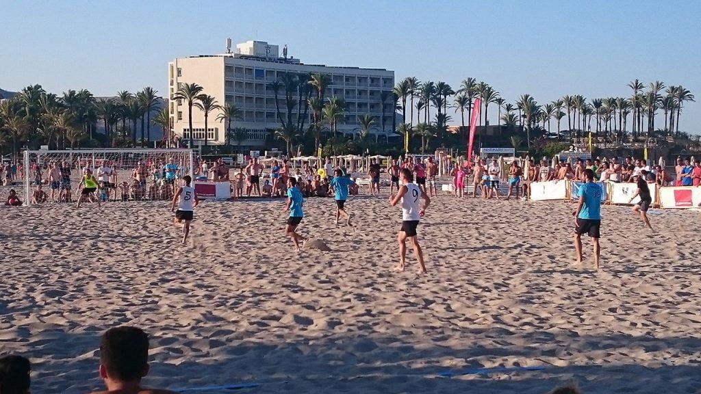 Partido Fútbol Playa en El Arenal de Xàbia