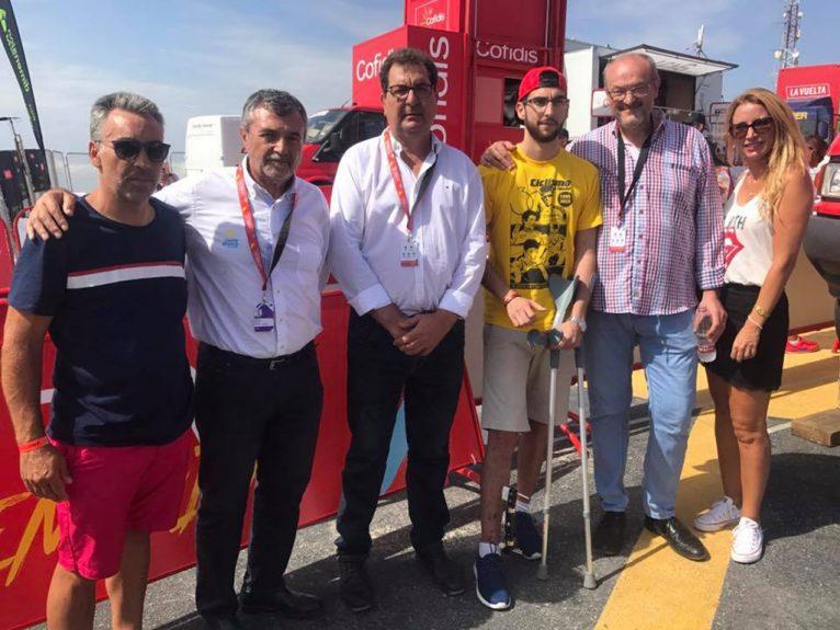 Andrés Contreras con Josep Femenía y miembros de la organización