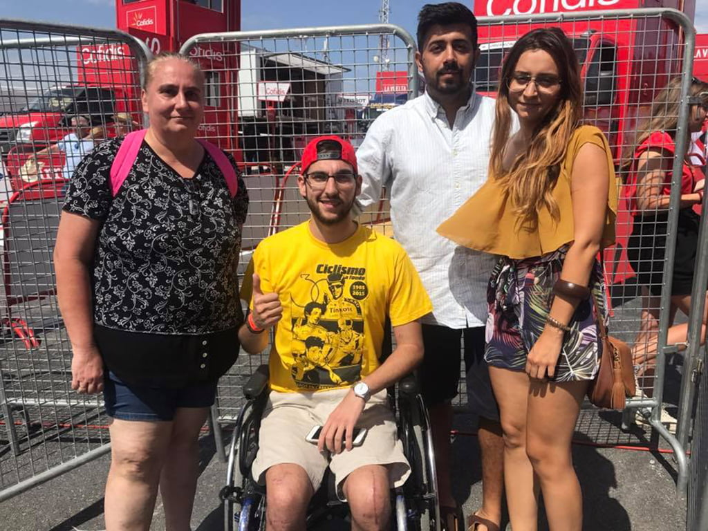 Andrés Contreras con su  familia