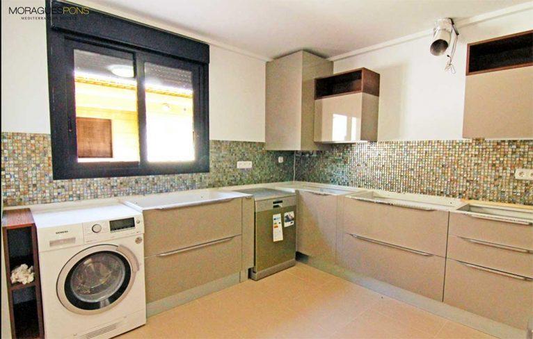 Cocina amplia MORAGUESPONS Mediterranean Houses