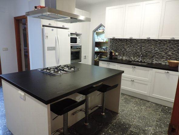 Descubre los nuevos diseños en cocinas de Muebles Martínez