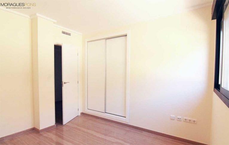 Habitación con armario MORAGUESPONS Mediterranean Houses