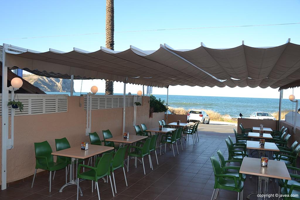 terraza l 39 hell n frente al mar j x