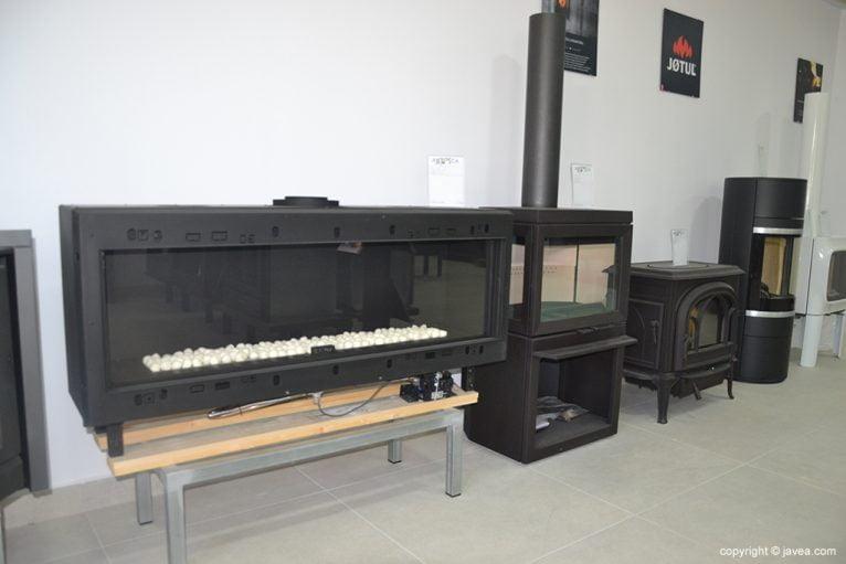 Varios tipos de chimeneas y estufas en ARTOSCA