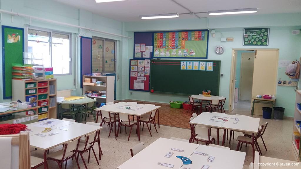 Aulas del colegio preparadas