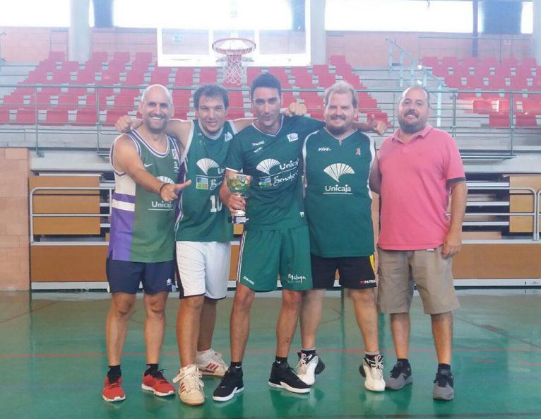 Equipo Unicaxabia finalistas del torneo 3X3