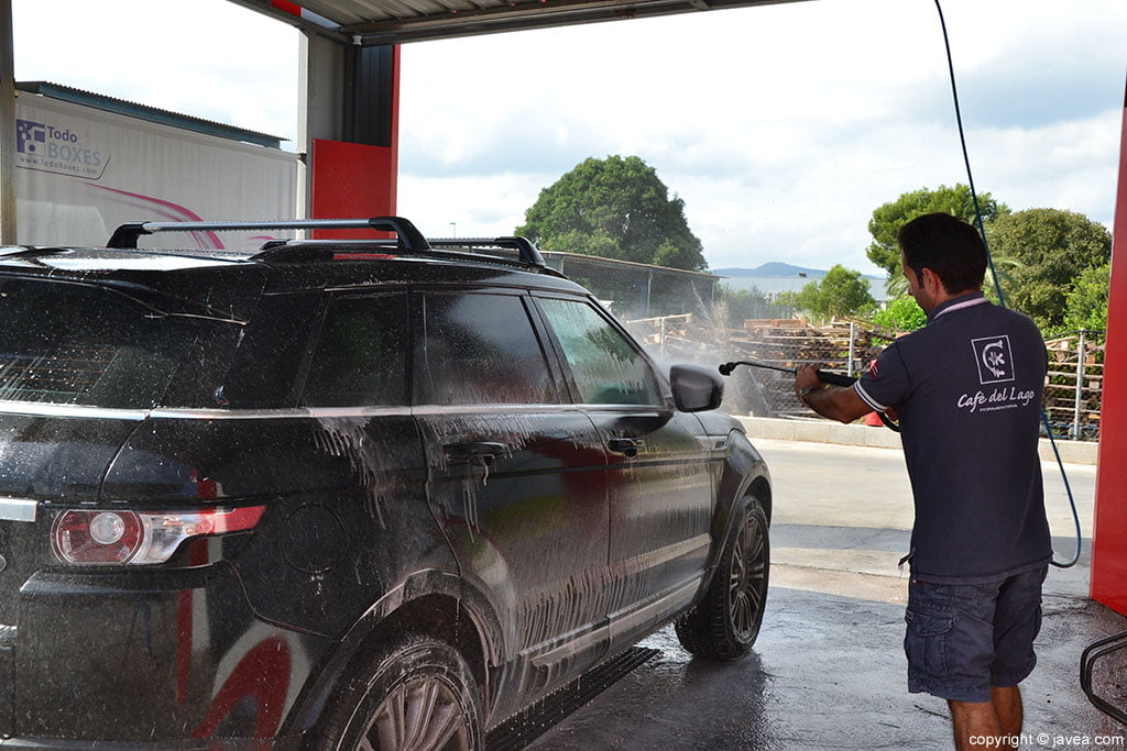 Limpieza coche Gasolinera Ecocombustible