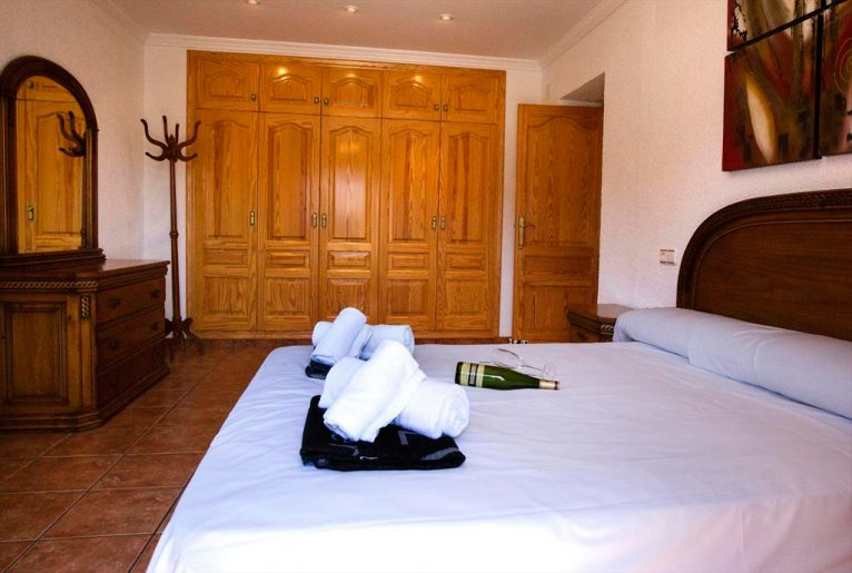 Ampli dormitori Casa Monica Aguila Rent a Vila
