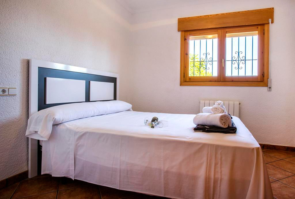 Dormitori doble a casa Monica Àguila Rent a Vila