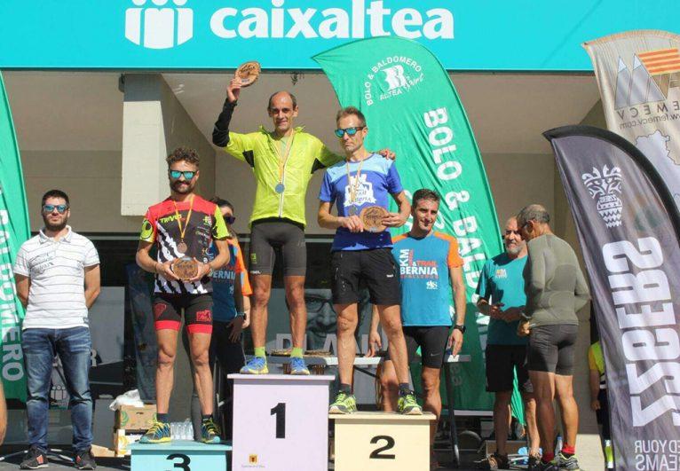 Ignacio Cardona en el podio de Bernia