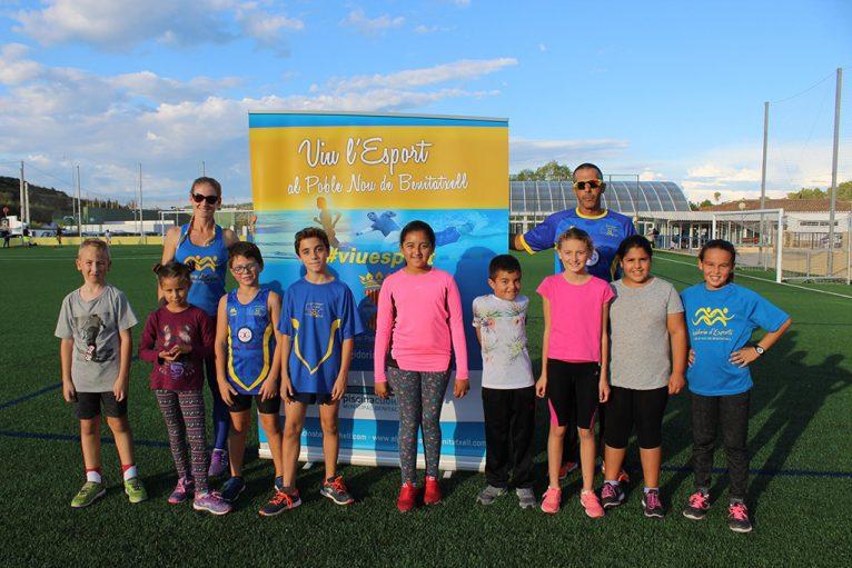 Nens i nenes amb els entrenadors