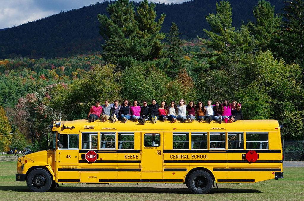 Autobús Linguing Education & Travel
