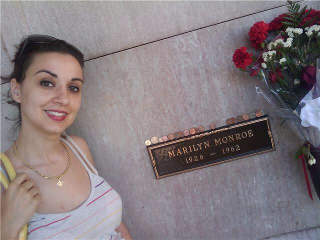 Rosa Mayans vive en Los Ángeles