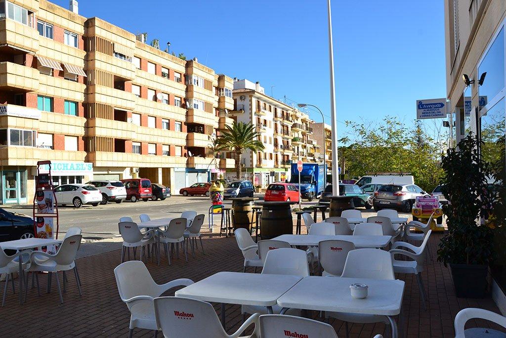 Terraza Bar L'Avinguda