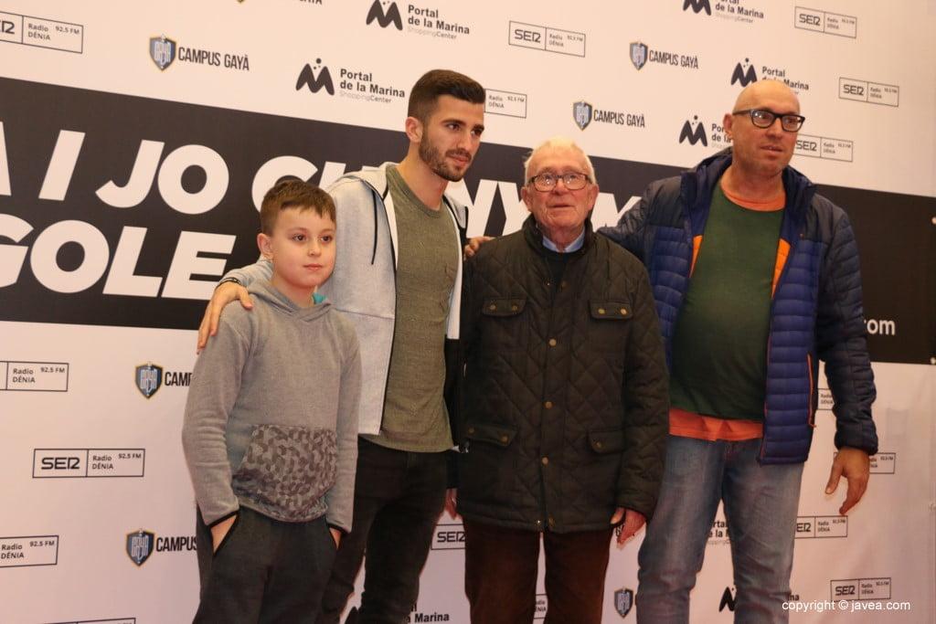 José Luis Gayà en el Centro Comercial Portal de la Marina – Tres generaciones