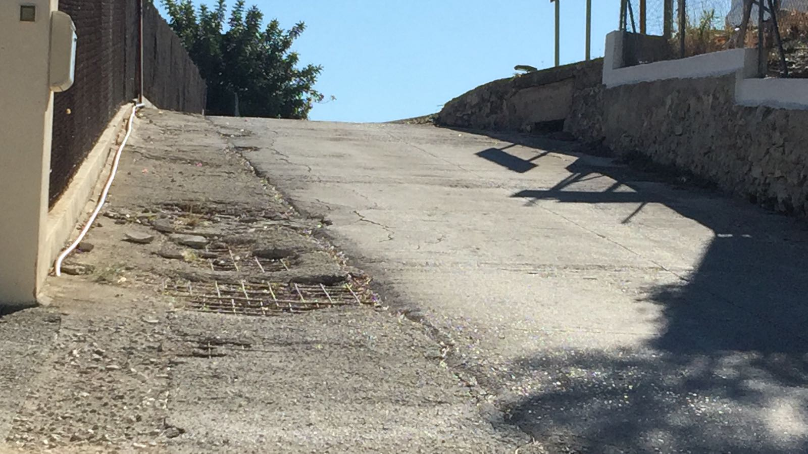 Residentes de la calle Albocasser piden asfaltar la calle