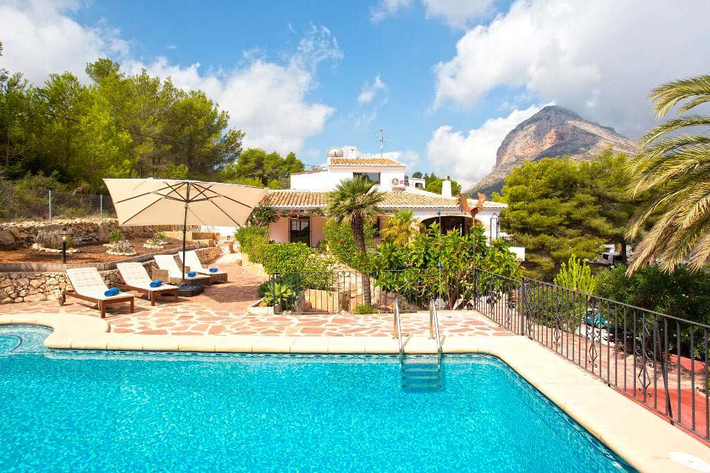 Quality rent a villa vous offre cette fantastique maison for Quality piscinas