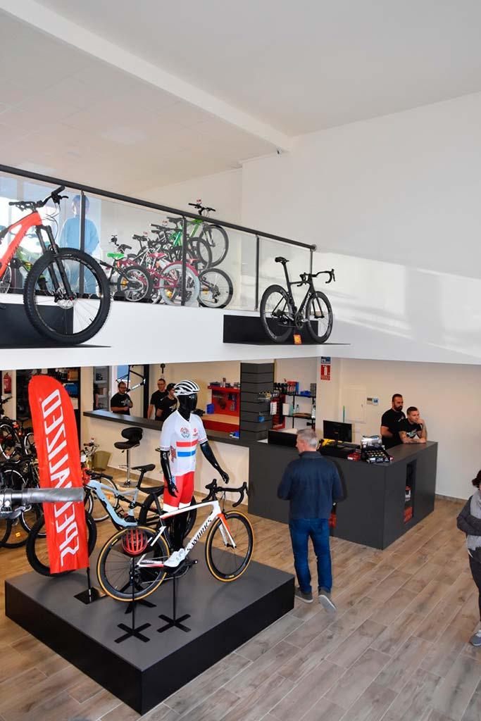 Interior de la nueva tienda en Moraira
